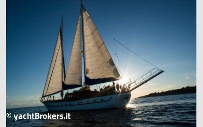 Custom Caicco 24 charter da M-Yachts Srl