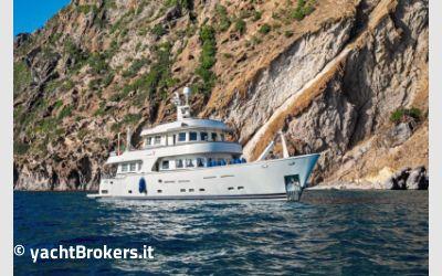 Terranova Yachts T 115  charter